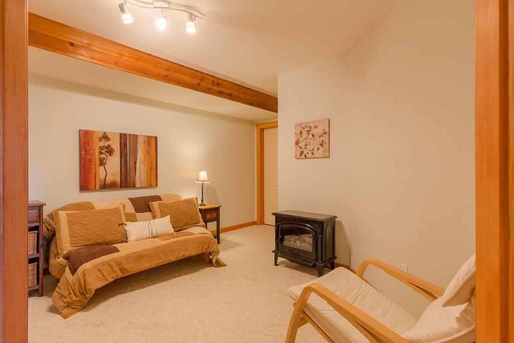 Luxury Suite - Yoga Area