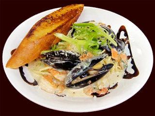 din-seafood-linguine